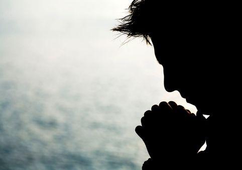 Prends pitié de moi, Seigneur, toi que je supplie tout le jour; toi, tu es bon, tu pardonnes, tu es plein d'amour pour tous ceux qui t'appellent.
